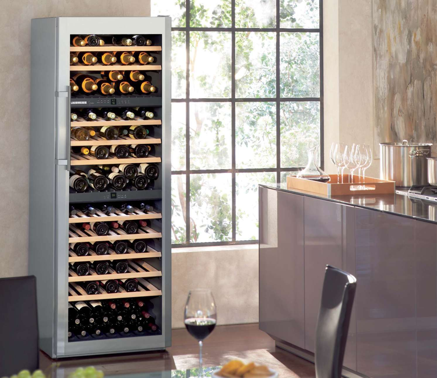 wine cabinets vinidor liebherr armoire vin. Black Bedroom Furniture Sets. Home Design Ideas