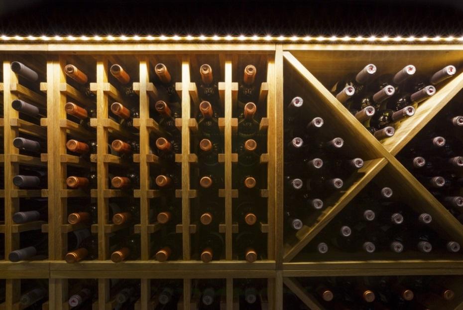Winewall 03